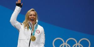 Jamie Anderson claims second U.S. gold by dialing back, staying upright on course