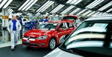German automobile giants are accused of doing exhaust gas experiments on humans and monkeys