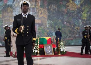 Militaries guard the coffin of Kofi Annan, Ghanaian diplomat and former Secretary General of United Nations who died on August 18 at the age of 80 after a short illness, at the Accra International Conference Centre in Accra ahead of his funeral on September 12, 2018.