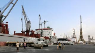 File photo showing workers unload food aid provided by Unicef from a cargo ship at the Red Sea port of Hudaydah (27 January 2018)