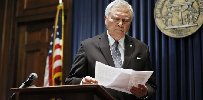 Nathan Deal, Georgia governor, signs bill without Delta tax break after NRA rift