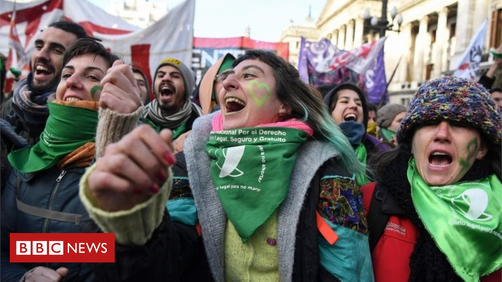 Argentina steps towards legalising abortion