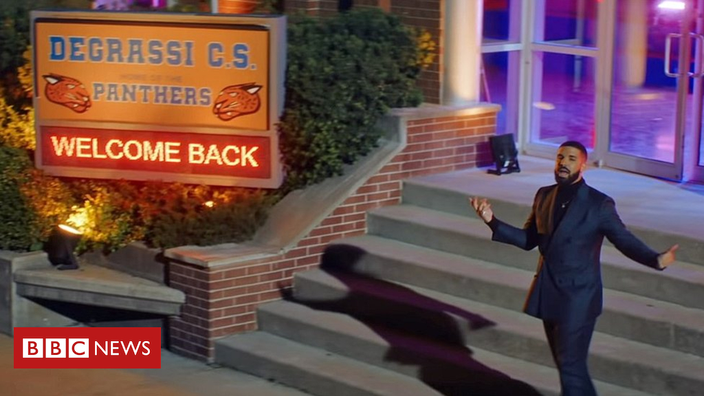 Drake goes again to Degrassi in new video