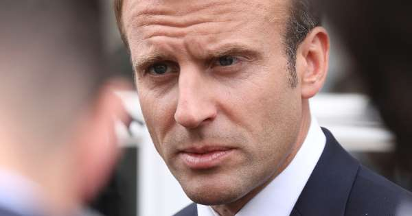 France's Macron attracts fireplace over dear tableware order