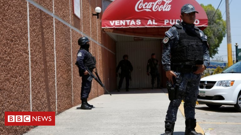 Pepsi bottling plant shuts in Mexico after gang threats