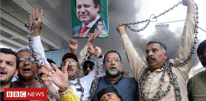 Ex-Pakistan PM Nawaz Sharif returns to stand 'jail cell'