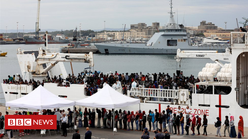 Italy accuses migrants of hijacking rescue send off Libya