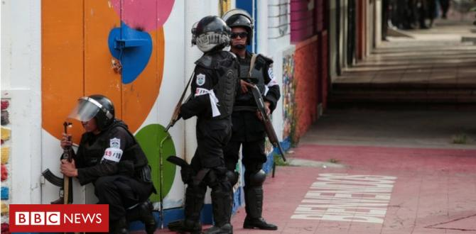 Nicaragua troops raid towns in south