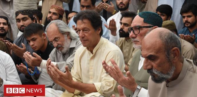 Pakistan mourns 149 useless in country's 2nd deadliest terror assault
