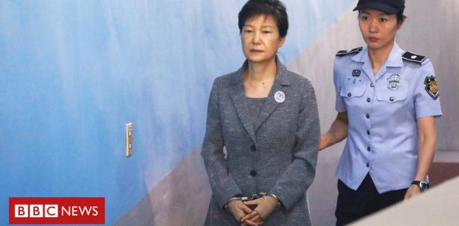 Park Geun-hye: Extra jail time for South Korea ex-leader
