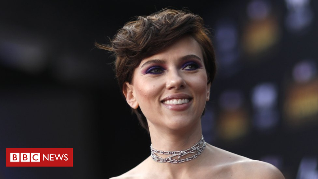 Scarlett Johansson quits trans function after LGBT backlash