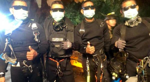 Thai Military SEALs barely escaped after pump failure in cave rescue