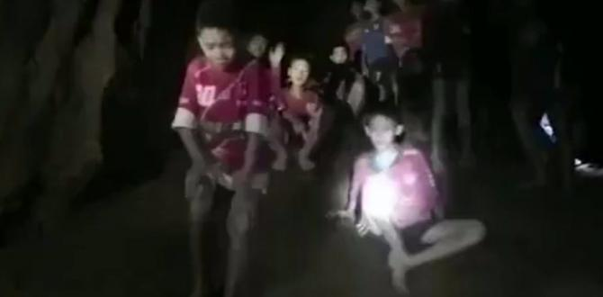 Thailand cave rescue: Boys 'could be in cave for months'