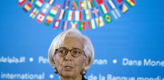 IMF plans talks with Pakistan on debt help