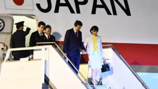 Prime Minister of Japan Shinzo Abe and his wife Akie Abe arrive in Buenos Aires on November 29, 2018