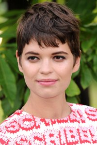 """<center>We love Pixie Geldof 's tousled style, great for weekends."""" /> 35/EIGHTY FIVE </p> <h2>We Love Pixie Geldof 's tousled style, great for weekends.</h2> </p> <p>  <img width="""
