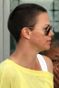 """<center>You can 't go much shorter than Charlize Theron 's shaved head but if you 're brave enough to do it, we say why not!"""" /> 70/85 </p> <h2>YOU'LL BE ABLE TO 't cross so much shorter than Charlize Theron 's shaved head but when you 're brave sufficient to do it, we say why not!</h2> </p> <p>  <img width="""