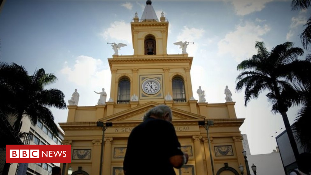 Brazil taking pictures: Campinas cathedral gunman 'mentally ill'