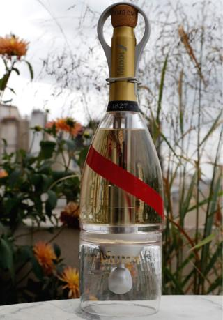 Champagne in area: High-tech bottle gets check flight