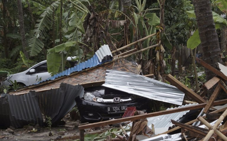 no less than 168 lifeless in Indonesian tsunami which slammed into beaches unexpectedly