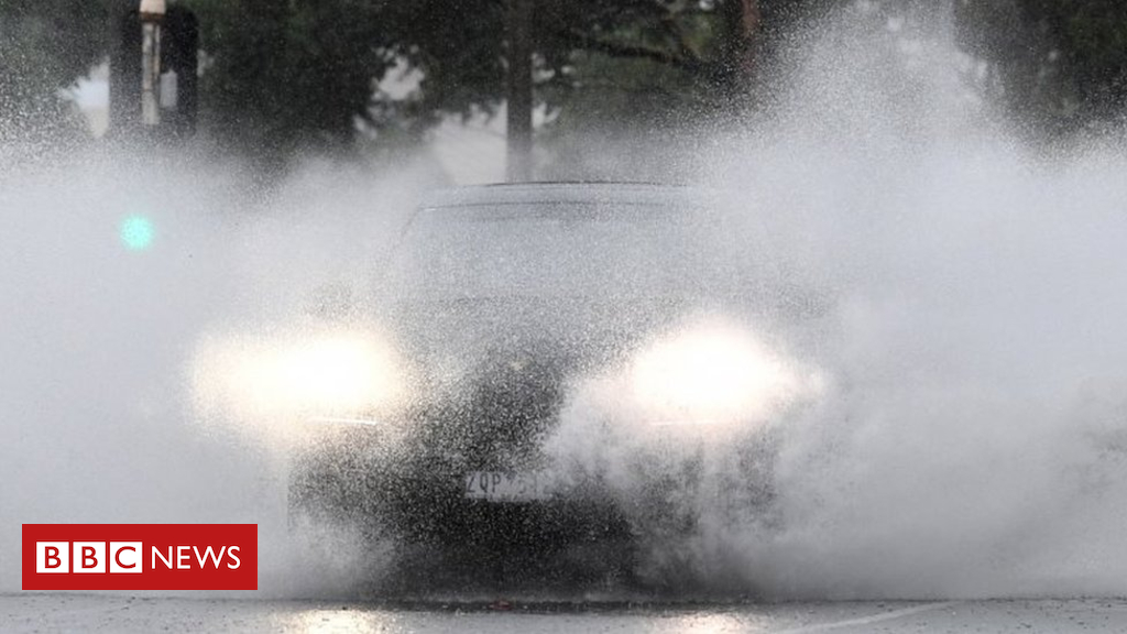 Queensland Cyclone Owen: Tough device might 'wreak havoc'