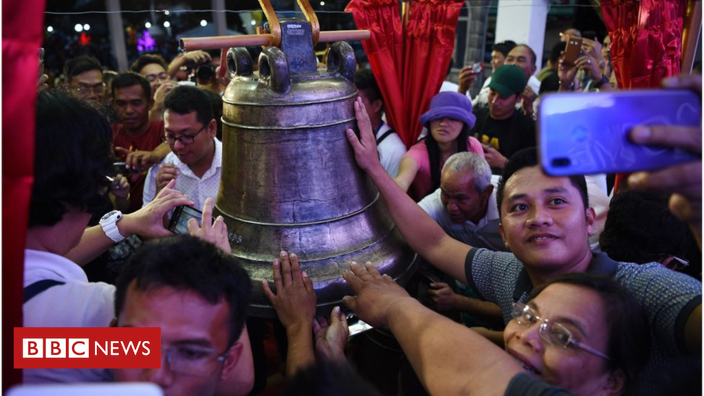 US returns looted Balangiga church bells to Philippines
