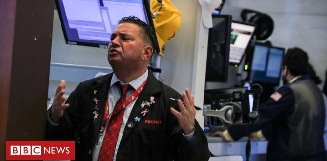 Wall Street stocks drop as yield curve reasons alarm